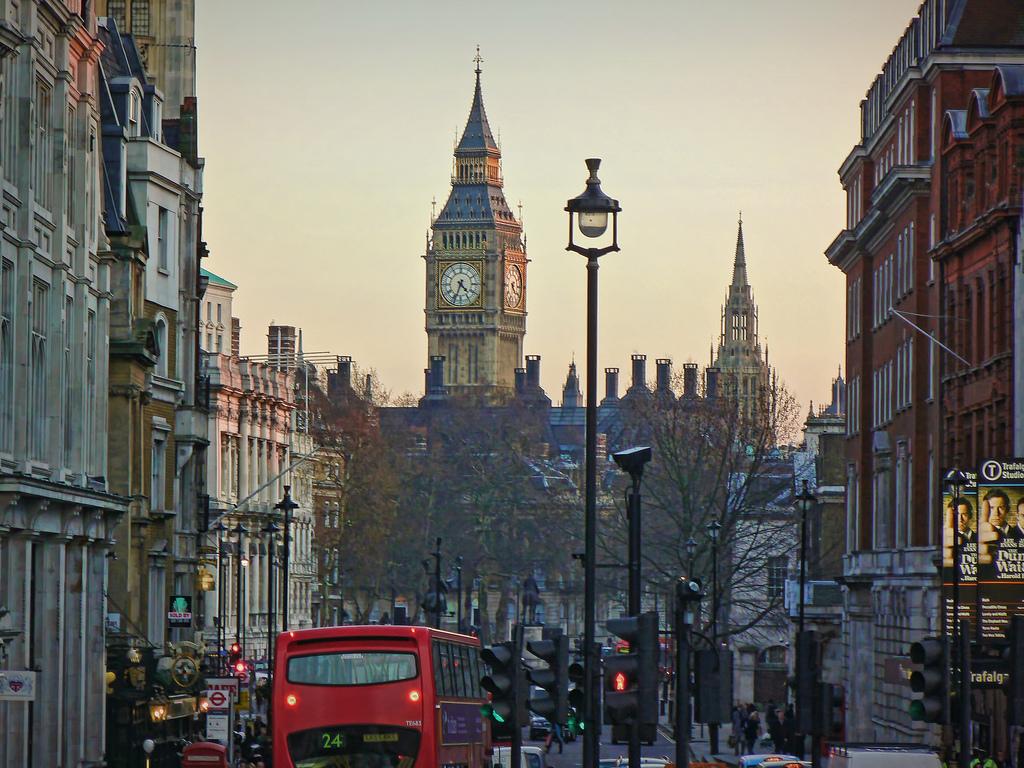 витязево лондон двигающаяся картинка вот беда послушать